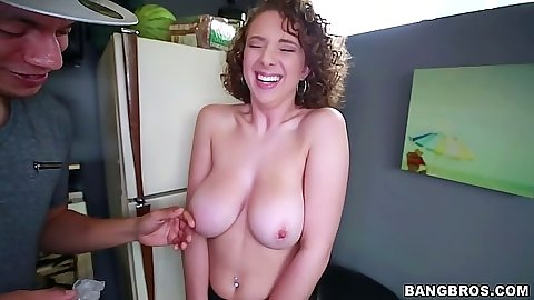 Big tits hanging down off Brooke Wylde natural body and hitting the shower