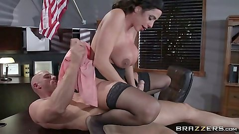Reverse cowgirl on dick office whore sex from Ariella Ferrera and pov cumshot on face