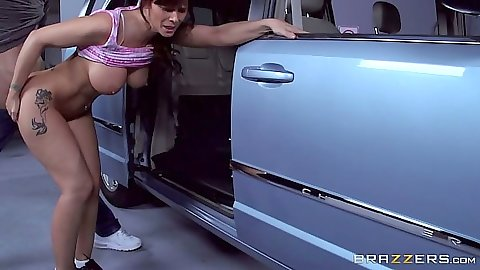 Hot mom milf Syren De Mer standing fuck in the car