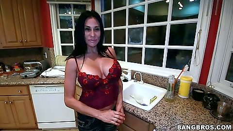 Kitchen solo big tits Sheila Marie going to bed to show a striptease