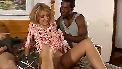 Milf Alex Verduci sucks dick of man