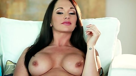 Big tits solo Destiny Dixon shows her bouncing tits
