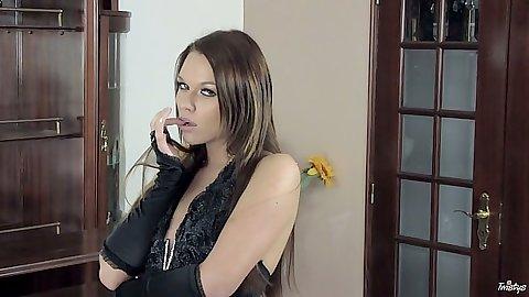 Brunette euro Frida Stark fingering her vagina euro girl