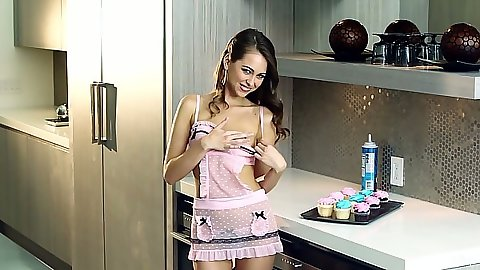 Kitchen cupcake fiasco Riley Reid