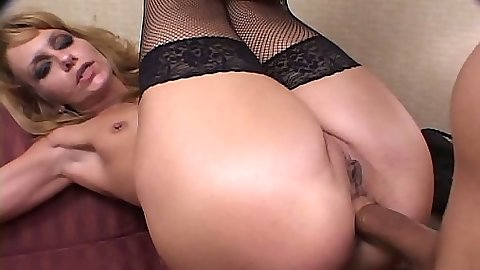 Raunchy Kami legs up high for anal deep inside fuck