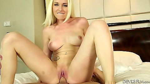 Teen tryout reverse cowgirl blondie on dick Stevie Shae