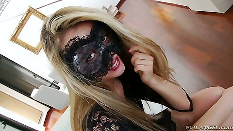 Blonde solo Veneisse is a pussy acrobat using giant sex toy