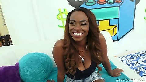 Tori Taylor ebony outdoors flipping her tits and blowjob with deep throat sucking