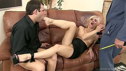 Blonde Ash Hollywood in 2 on 1 cuckold fuck