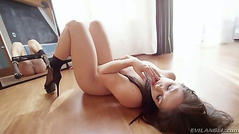 Slut gets manhandled to please man Lea Lexis