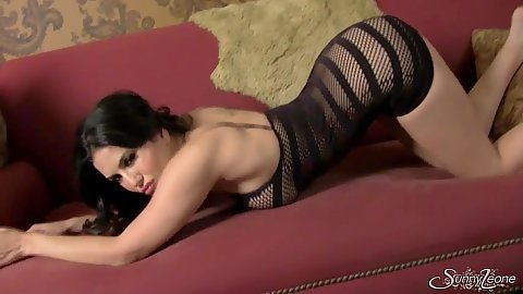 Lingerie Sunny Leone crawls around and then spreads legs to show on camera