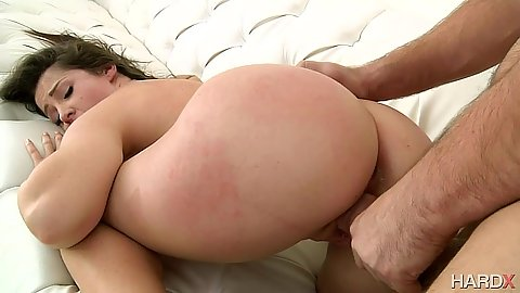 Curvy ass girl Lola Foxx fucked form behind and finger up her anal hole
