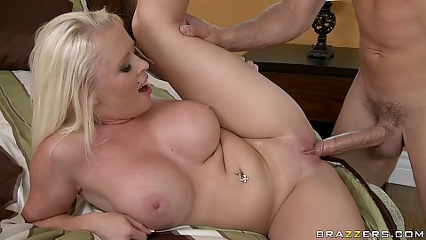 Big its milf gets hardcore doggy deep fucked on bed