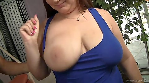 Bbw natural tits Lexi Summers gets played with jiggle tits