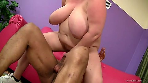 Big natural tits bbw girl Sienna Hills paid to bang
