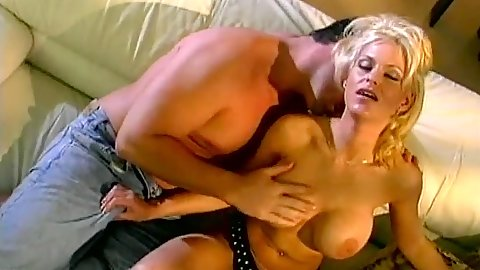 Tina Cherie milf gets fingered and her anus stretched as well