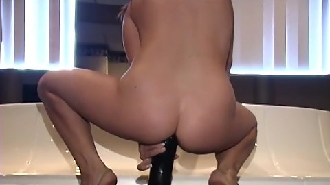 Cowgirl trying to fuck an 18 year old pussy with massive dildo and she makes it