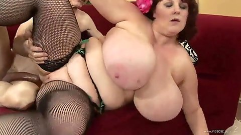 Big ass with huge fucking tits Sapphire gets sideways fuck and blowjob