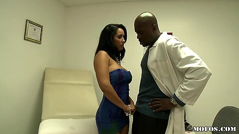 Milf caming over to doctors office with no panties