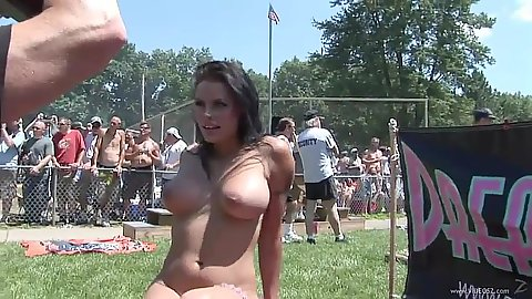 Outdoor striptease in public with nice adventures