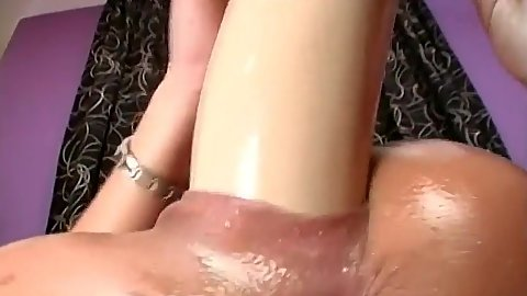 Mature close up brutal dildo with oil self fuck