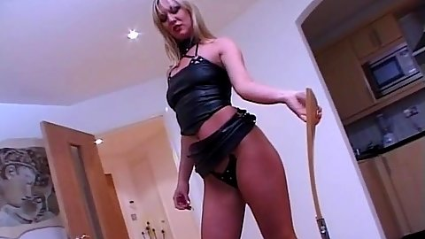 Masturbation solo Sarah Lou and her dildo on chair