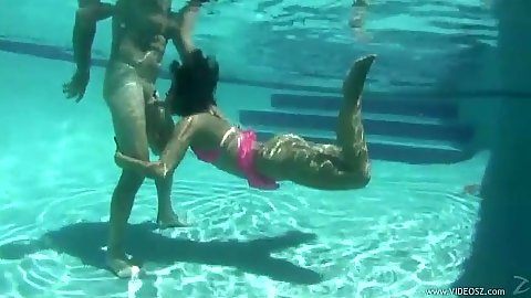 Underwater amateur blowjob with latina Miss Raquel