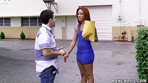 Public pick up of ncie looking latina amateur Danira Love for bang bus