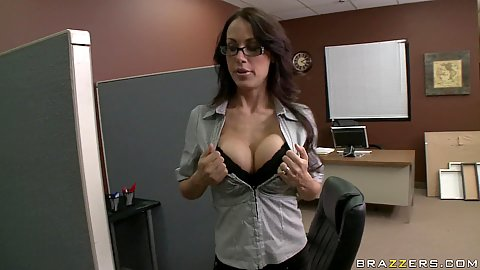 Big tits office slut calls in the IT guy to help her out