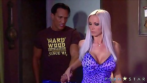 Busty nice body milf in lingerie Nikki Benz goes for blowjob