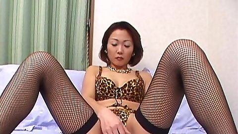 Solo mature asian mommy and her vagina hairy masturbation