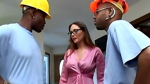 Construction workers taken advantage of kind white milf Melanie Jagger in group