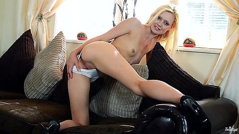 Stunning blonde glamcore babe solo Jessi Green