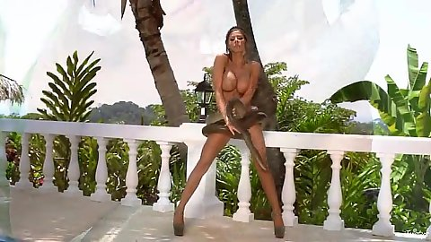 Great body Madison Ivy fucking around on the railing