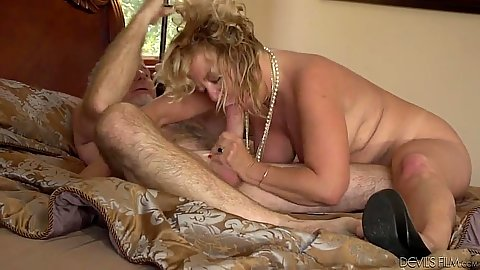 Busty granny Karen Summer blowjob and reverse cowgirl sitting on dick