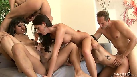 Group of swingers with Missy Maze and Kortney Kane and Annie Cruz enjoyin anal