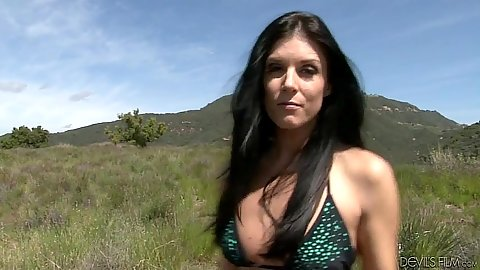 Outdoors with beautiful milf India Summer and a blowjbo