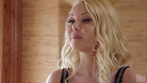 Blonde babe Aaliyah Love in a non nude scene