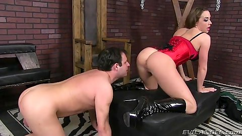 Pussy licking and feet kising milf Chanel Preston