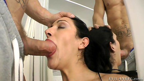 Deep throating milf Ainara goes for a titty fuck