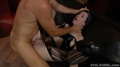 Rough sex brunette does her holes ripp