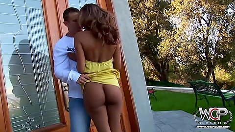 Outdoor ebony Bella Moretti getting naked then sucking some balls