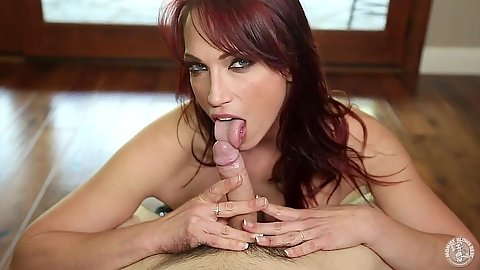 Blowjob with smiling girl Nikki Hunter redhead