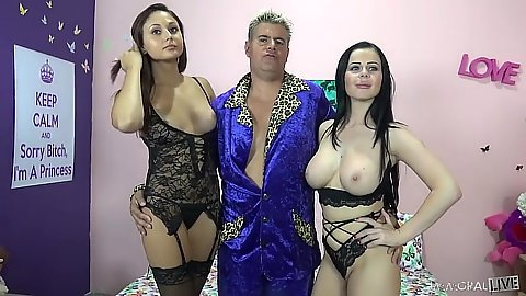 Lingerie posing fiesta chicks Loni Evans and Ariana Marie sucking some shaft