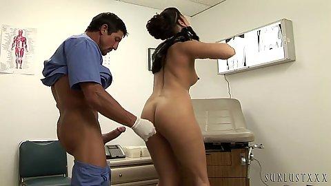 Doctor fucks standing patient in her pussy during exam Satine Phoenix