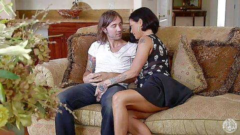 Making out with milf in miniskirt and tattoo Jezebelle Bond