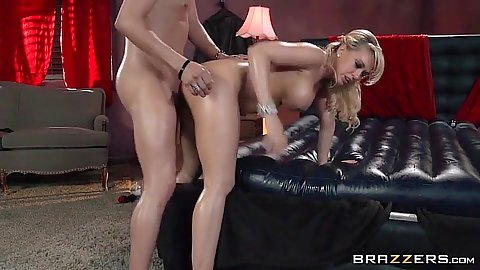 Doggy style standing fuck covered up in oil with stunning Kagney Linn Karter