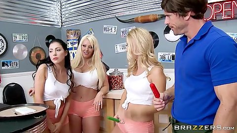 Group of girls eating with no hands Natalia Starr