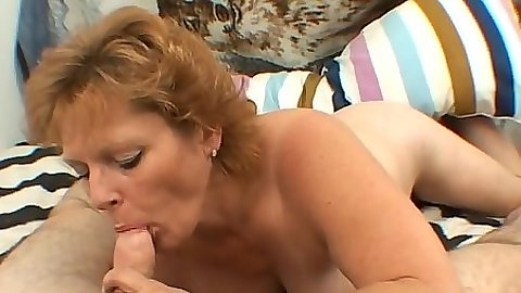 Mature mom sucks dick in pov and she is the pro