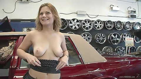 Flashing boobs public slut takes a ride and gets fingers in her pussy